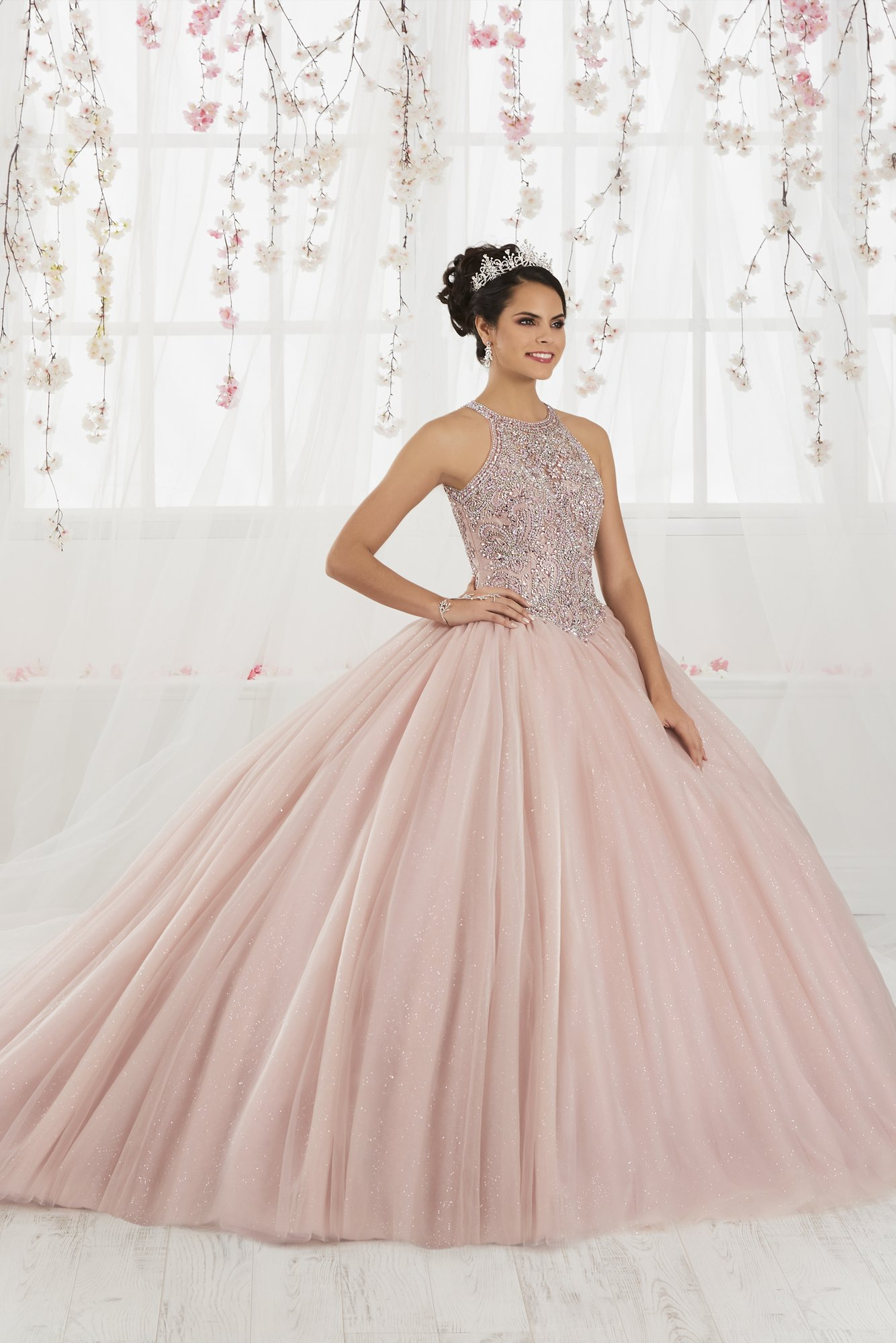 Vestido de Debutante Longo Quinceanera Collection 26914