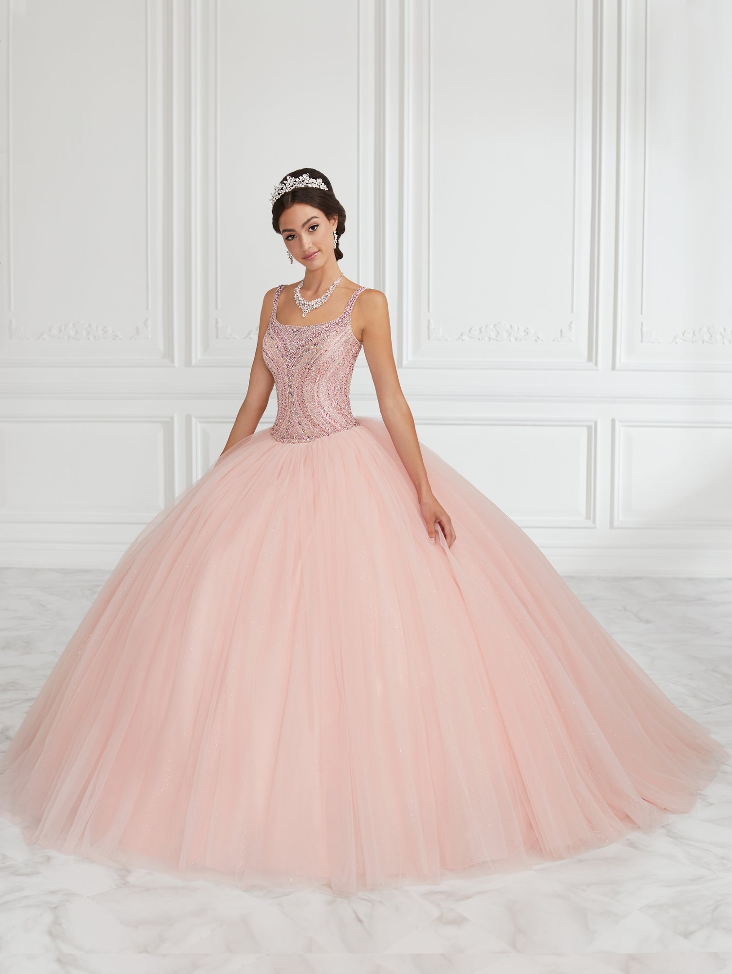 Vestido de Debutante Longo Quinceanera Collection 26943