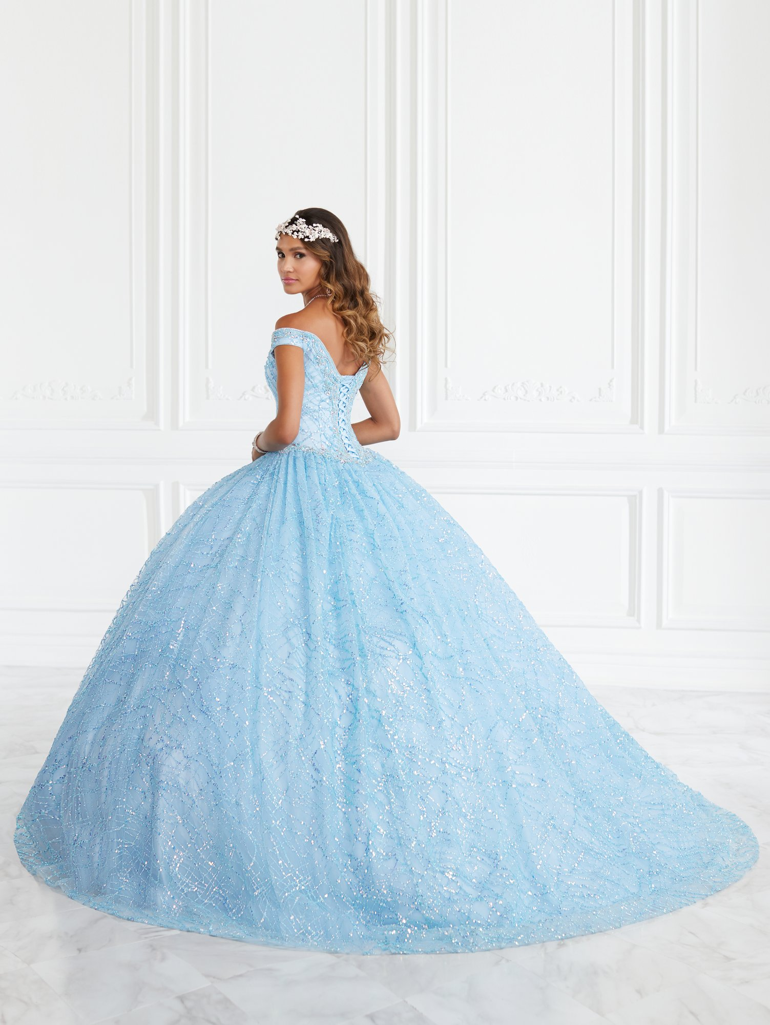 Vestido de Debutante Longo Quinceanera Collection 26944