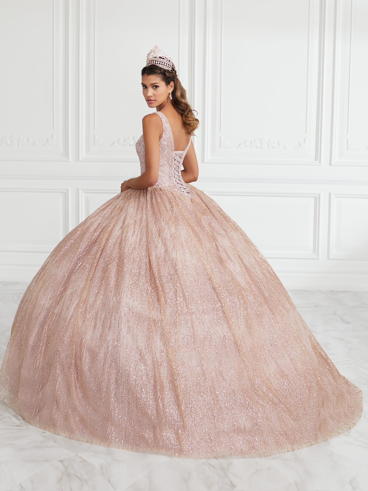 Vestido de Debutante Longo Quinceanera Collection 26949